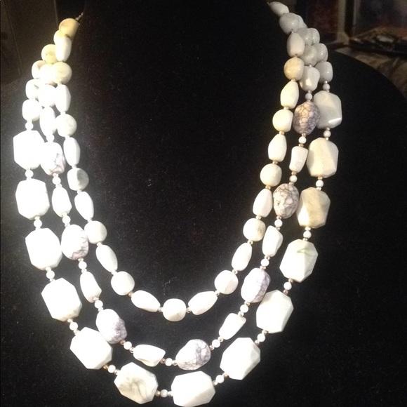sugarfix Jewelry - NWT Sugarfix navy and white marble stone necklace
